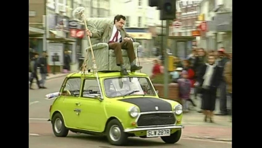 eGVvZm42MTI_o_mr-bean-driving-on-roof-of